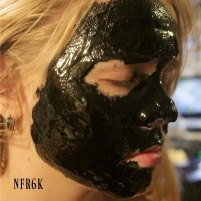 charcoal-honey-face-mask-2